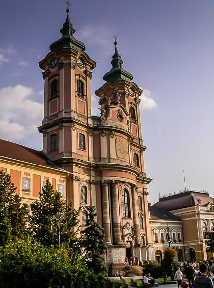 view of Minorite Church in Eger - Eger travel guide