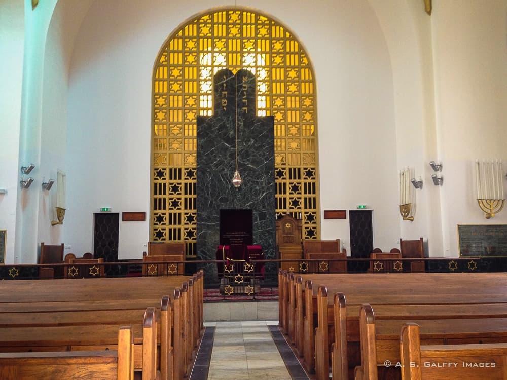 temple:inside